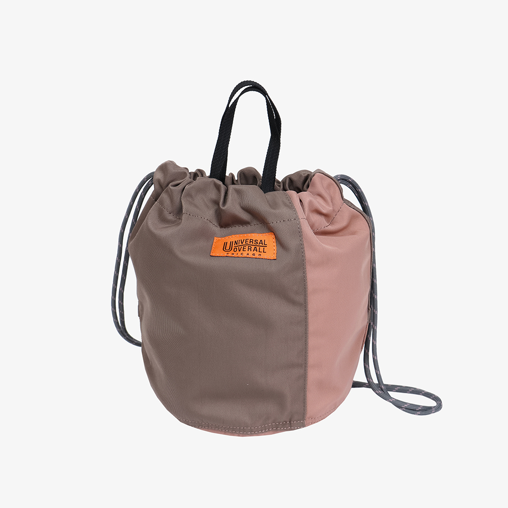 NYLON TWILL PATCH BUCKET BAG BEIGE