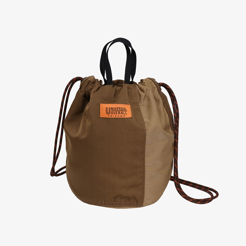 NYLON TWILL PATCH BUCKET BAG BROWN